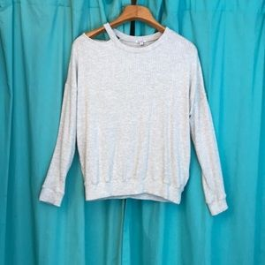 {Splendid} Shoulder, Key-hole Sweater 🌟